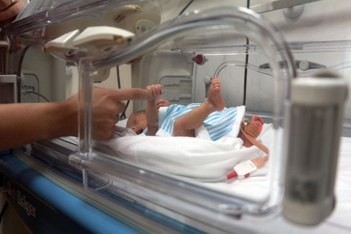 copil nascut prematur